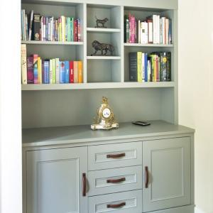 Alcove cupboard finished in F&B Pigeon with drawers