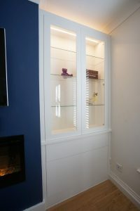 Alcove display cupboards with glass doors with lghting