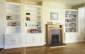 Traditional Alcove cupboards