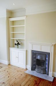 Single alcove unit furniture