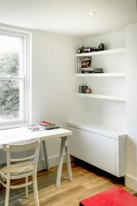 Contemporary floating alcove Cupboards and Floating shelves