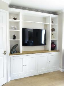 Modern built in TV media unit in shaker design