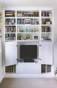 built in bookcases around TV