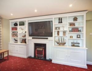 built in entertainment centers for flat screen tv