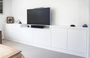 contemporary built in TV cabinet