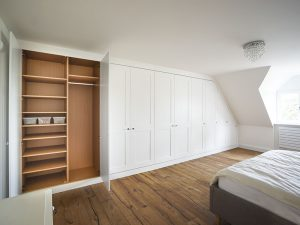 wall to wall fitted bedroom