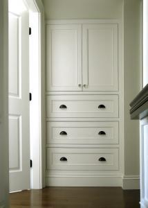 Alcove cupboards and drawers in oxford