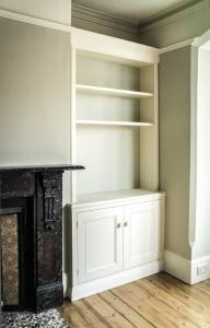 Traditional Victorian styled Alcove unit in Oxford