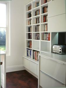 contemporary alcove unit with low cabinets in Oxford
