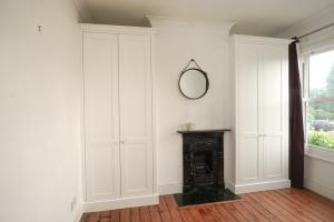 Shaker built in alcove wardrobe