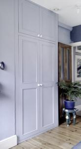 Victorian alcove wardrobe in blue with high doors