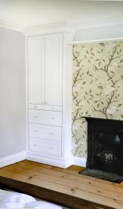 Victorian wardrobe Fitted in bedroom alcove