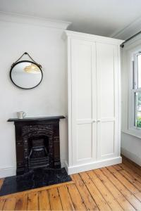 fitted alcove wardrobes in Bedroom
