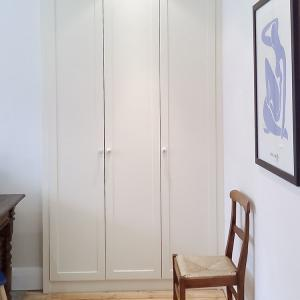 itted three door alcove wardrobe
