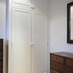simple-beaded-alcove-wardrobe