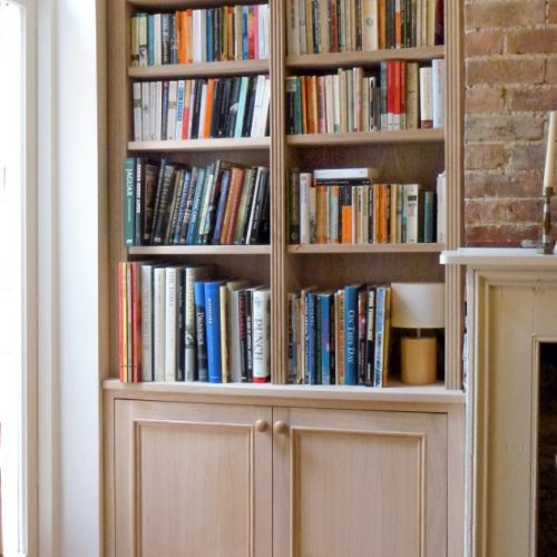 Alcove cupboards in Oak