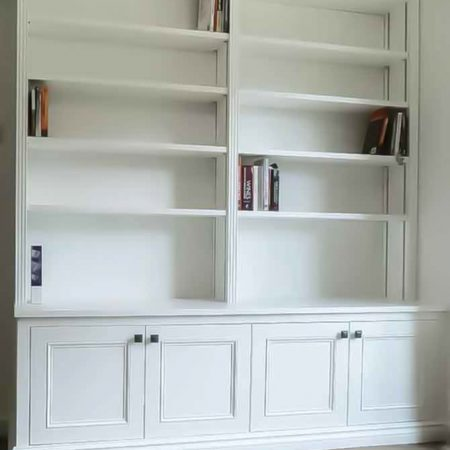 Double Built in alcove with twin column bookcase