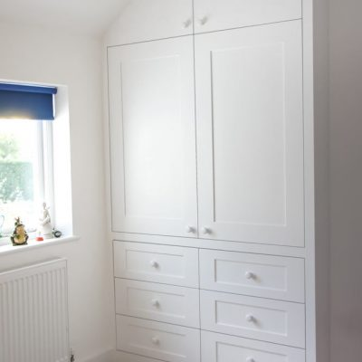 Shaker-wardrobe-with-drawers